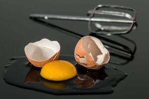 egg broken on counter